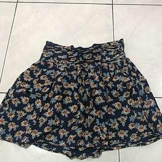 Atmosphere skirt flowers