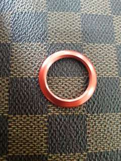 Gucci metal bezel