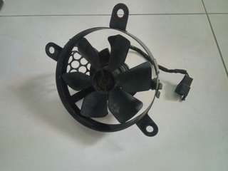 DRZ original radiator fan