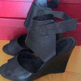 (包順豐)購自英國 型格高踭鞋👠