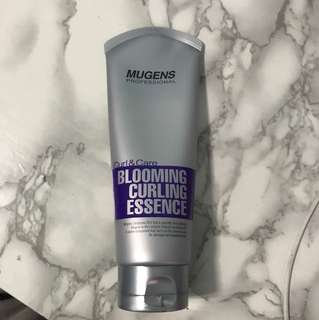 Mugens blooming curling essence