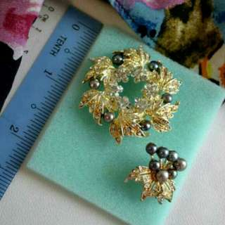 Authentic pearl brooch