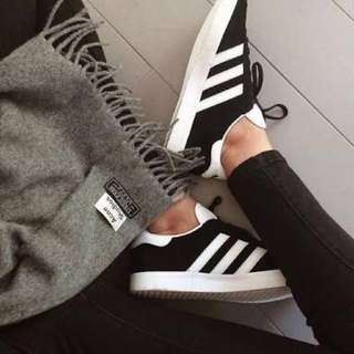 ✨ADIDAS GAZELLE SHOES ✨