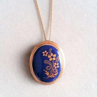 Vintage Porcelain Brooch Pendant Necklace. Signed by Lenox.