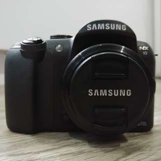 Samsung NX10 with prime and zoom lens