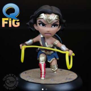 Wonder Woman Q Fig with Lasso Of Truth