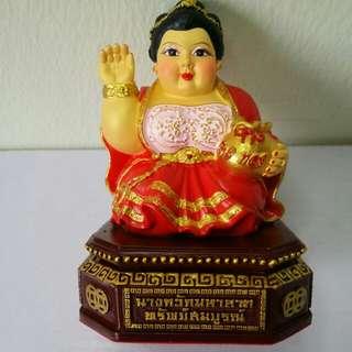 Kruba Aliyachart Nang Kwak Amulet Bucha (招財女神)