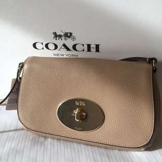Coach minibag/ crossbody bag 細袋 斜孭袋 beige 杏色