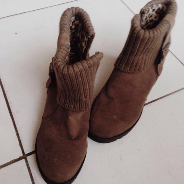 含運🎈200 二手 靴 保暖
