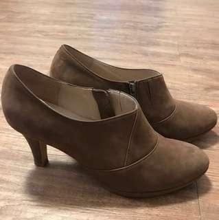 🚚 MAGY 高跟踝鞋,二手,穿過。6 1/2號