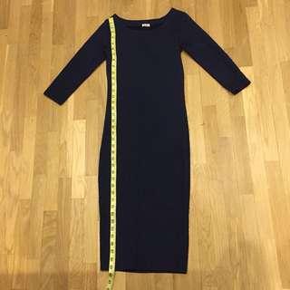 Dark blue dress with sleeve