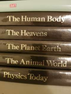 🚚 World Book Encyclopedia