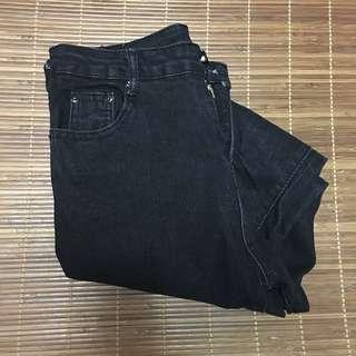 🚚 黑牛仔長褲#舊愛換新歡