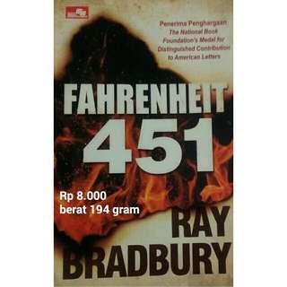 Novel Fahrenheit 451 karya Ray Bradbury