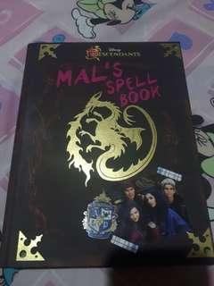 Disney's Descendants: Mal's Spell Book