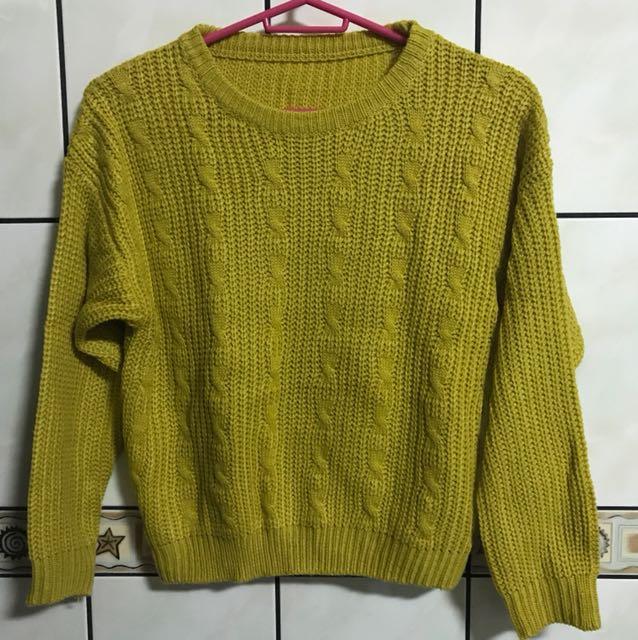短版麻花編織毛衣