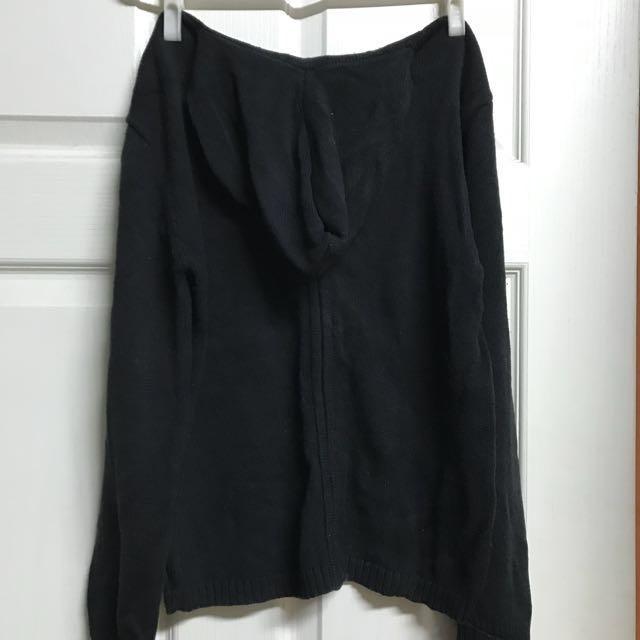 黑色長袖線衫外套
