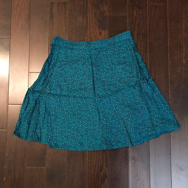 Aritzia Talula Skirt - Size 8