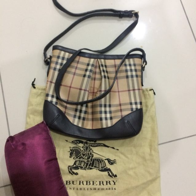 Authentic Burberry sling bag, Women s Fashion, Bags   Wallets on ... 1d1b707bdd