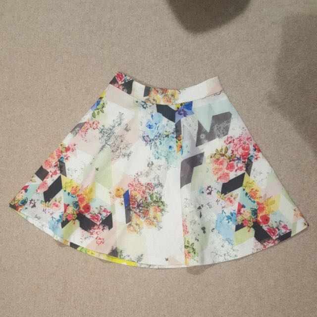 Beginningboutique floral skirt