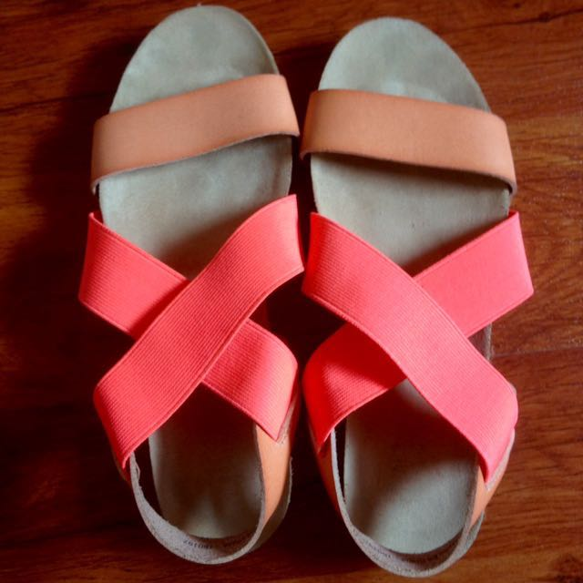 Brash sandal