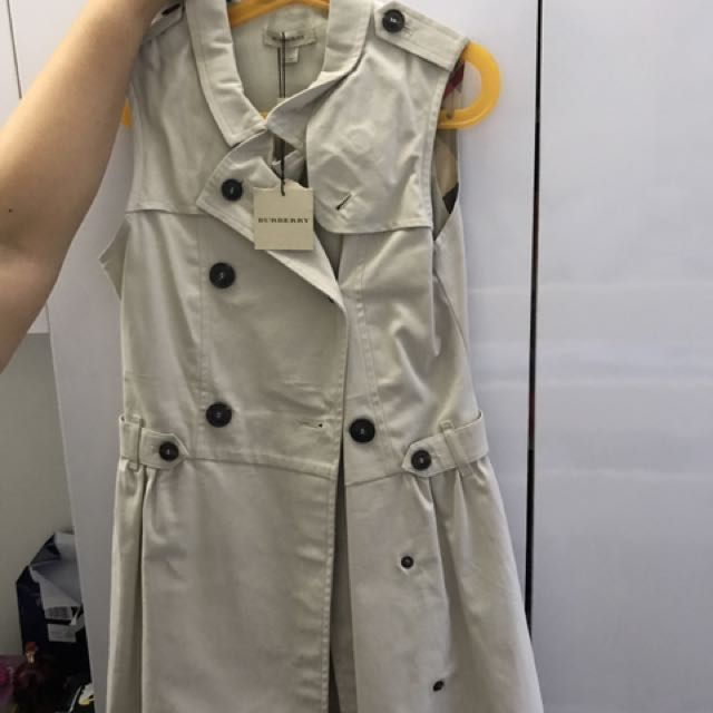 20434309f453a Burberry Trench Coat Dress