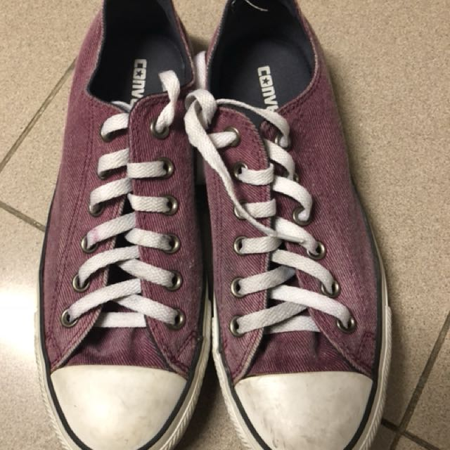 Converse sneakers 9 womens