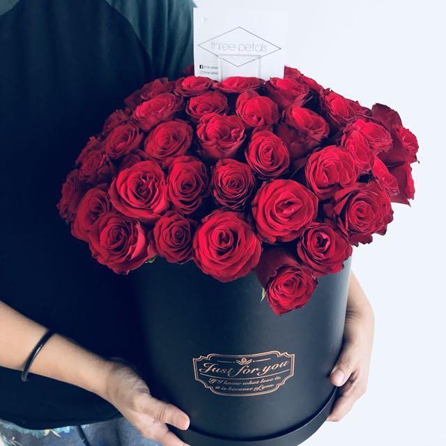 2afe34dd91c5 Flower Bouquet   Rose Box   Surprise Delivery