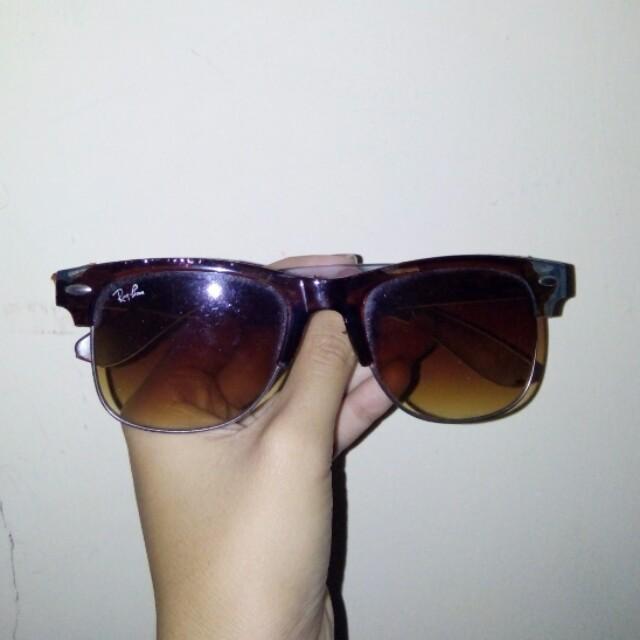Kacamata Gaya Rayban