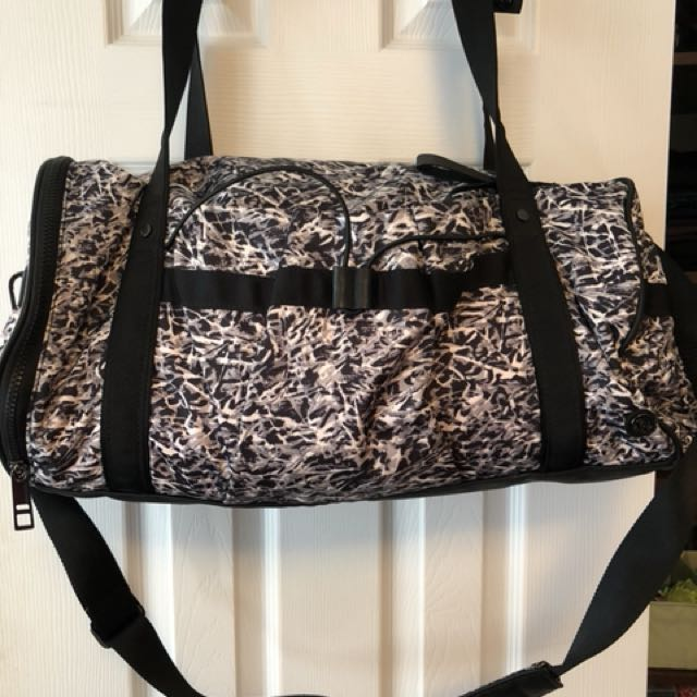 Lululemon Run Ways Duffel