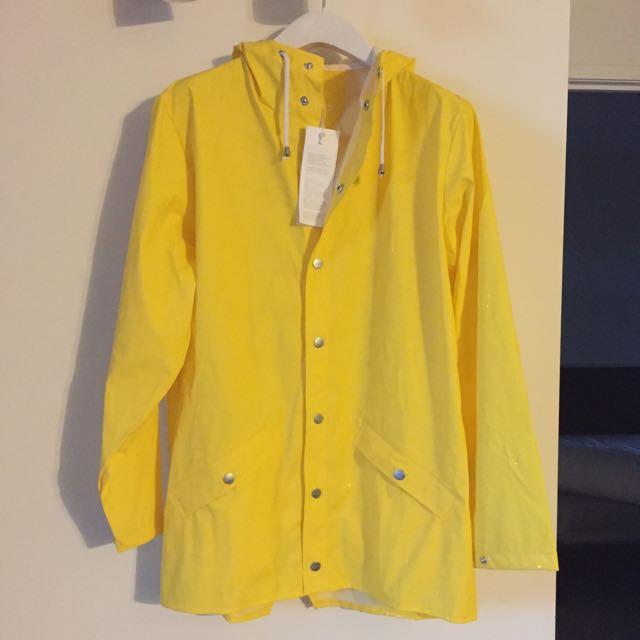 Mens Rain Coat in Size S