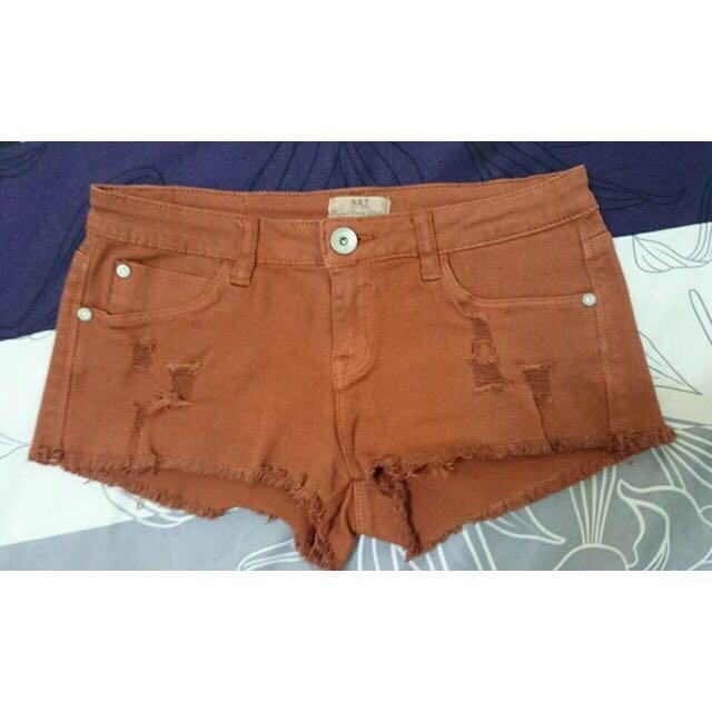 Net磚紅修飾短褲