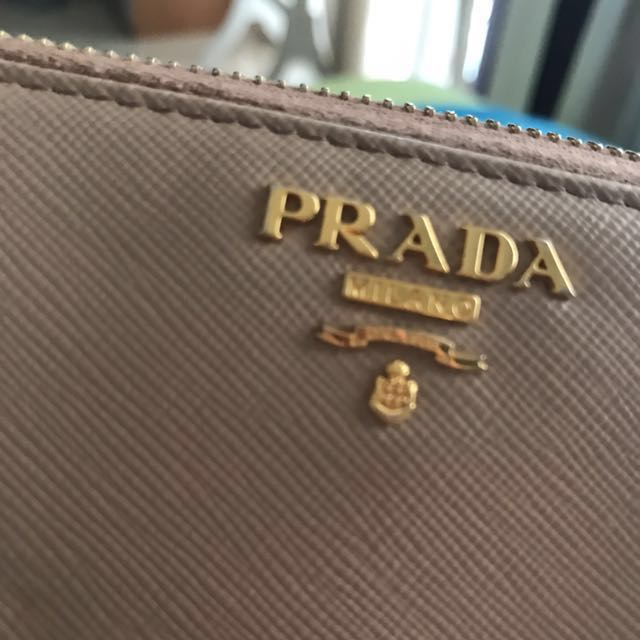 PRADA (authentic!)