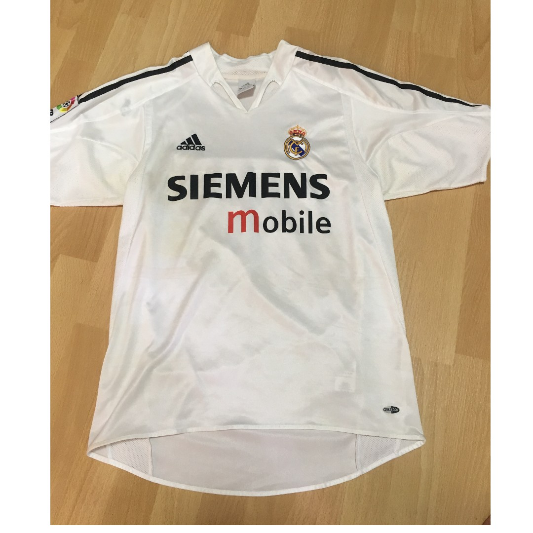 bd61a5cfa61 Pre-Loved Authentic Adidas Real Madrid Football Jersey w/ David ...