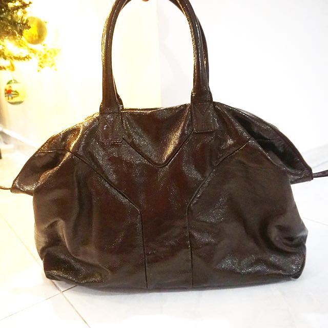 Pre-loved Yves Saint Laurent Patent Leather Easy Bag f24bdce26b3f4