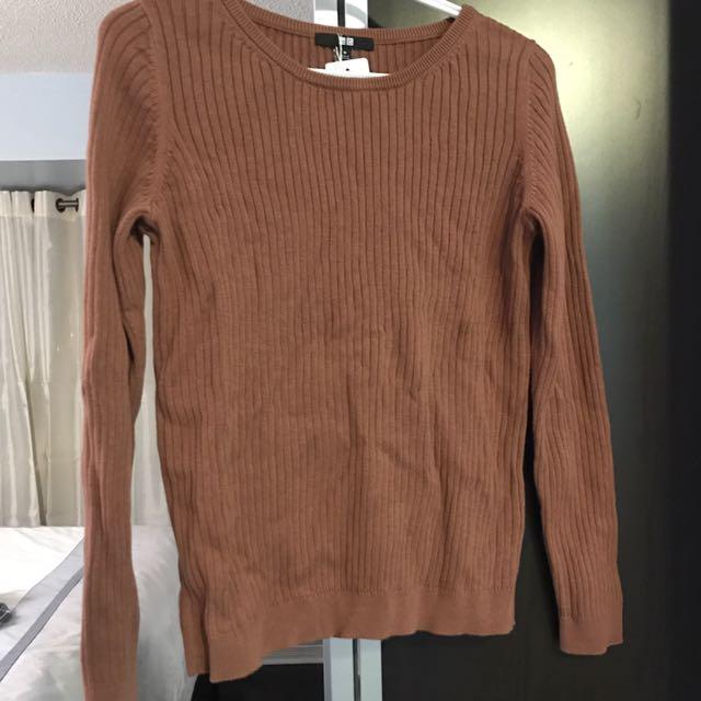 Uniqlo Sweater - Size M