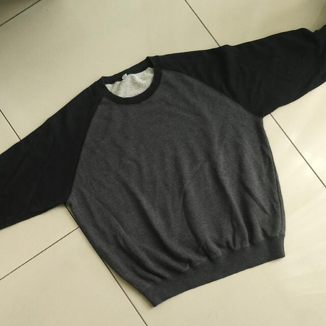 Uniqlo Sweatshirt Size M