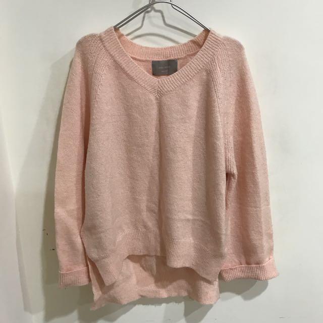 粉色v領毛衣