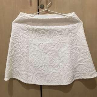 Zara white pattern skirt