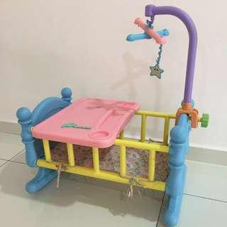 Toys: Baby basic lit a bascule