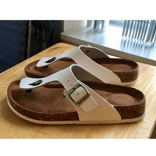 Soft Moc brand Birkenstock-style sandals, size 9, white