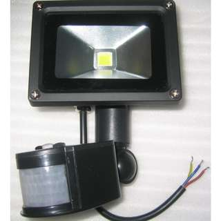 10W Motion Sensor Floodlight . AC mains . Cool White light