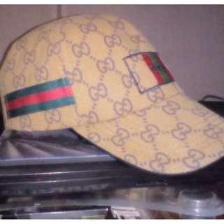 Topi Baseball Cap Fashion Gucci. Warna : Coklat. Berat : 100gr.