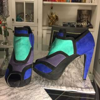 Blue/green/purple faux suede s10 shoes