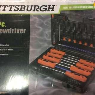 Pittsburgh 32 piece screwdriver set