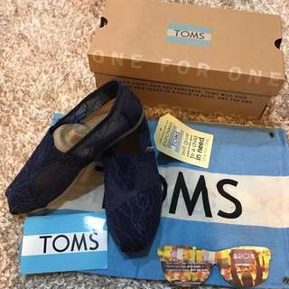 TOMS夏季深藍蕾絲~出清不賣了