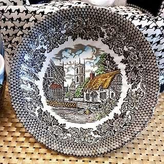 MERRIE OLDE ENGLAND Dining Set
