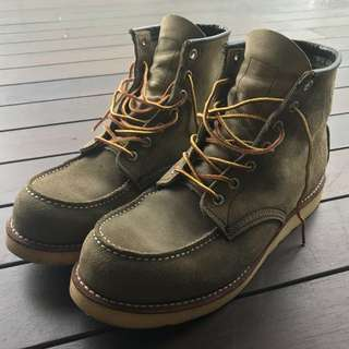 Red Wing 8139 Suede Moc Toe Boots