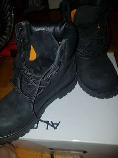Womans Timberland Size 6.5