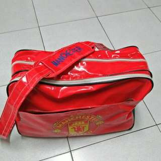 Sling bag red big good quality